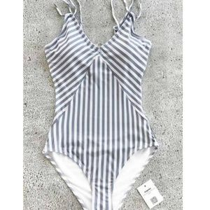 ISO: swimsuit like the one pictured